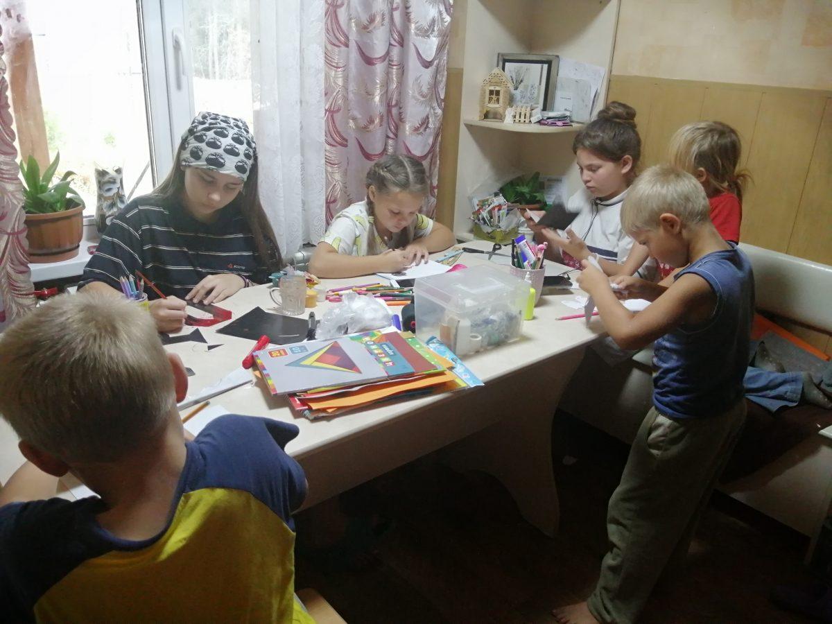 «Главное, что мы живы!»: многодетная семья из Вознесенского района обустраивается на новом месте после пожара