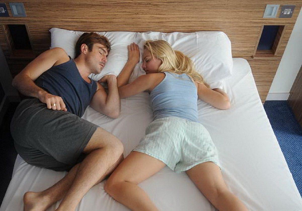 Спи, моя радость: о чём говорят позы сна
