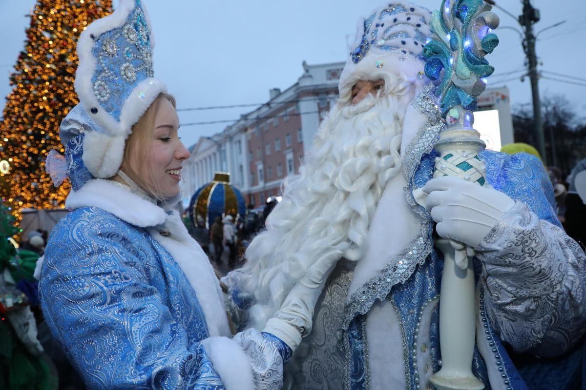 Нижегородские Дед Мороз и Снегурочка рассказали о том, как изменился спрос на их услуги в пандемию