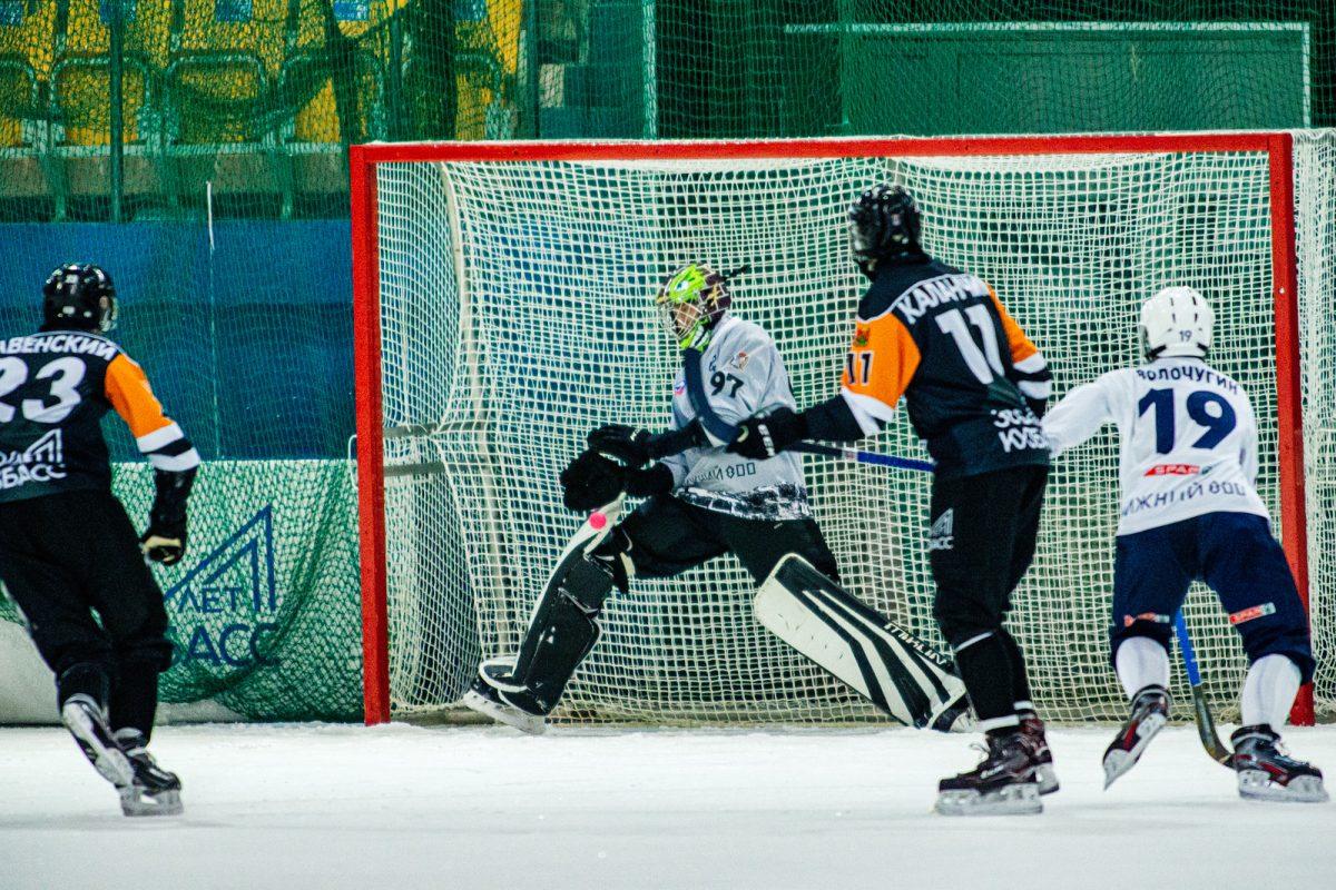 Нижегородский «Старт» на выезде проиграл хоккеистам «Кузбасса»