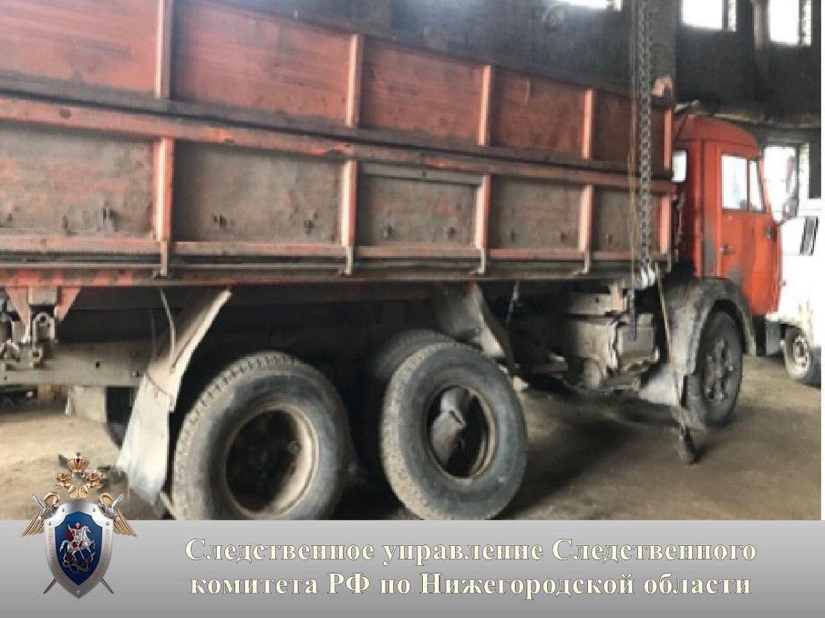 Водитель получил множественные переломы конечностей при ремонте автомобиля в Ковернинском районе