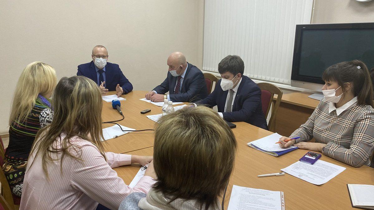 Жителям дома №17 поулице Краснодонцев рассказали, куда их могут расселить