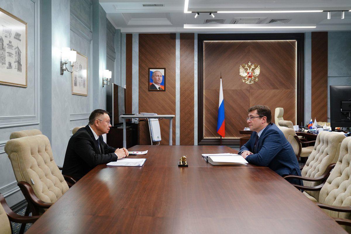 Министр строительства ижилищно-коммунального хозяйства Российской Федерации Ирек Файзуллин иГлеб Никитин провели рабочую встречу