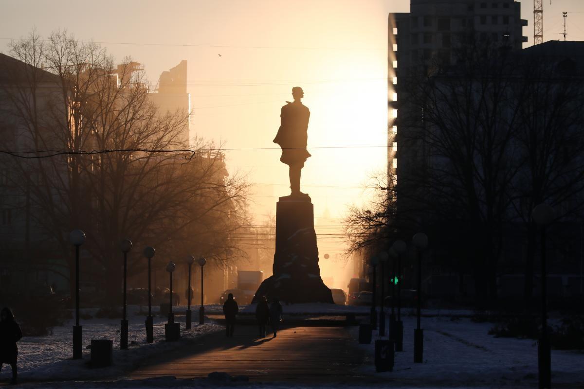 Памятник подсветят после благоустройства площади Горького
