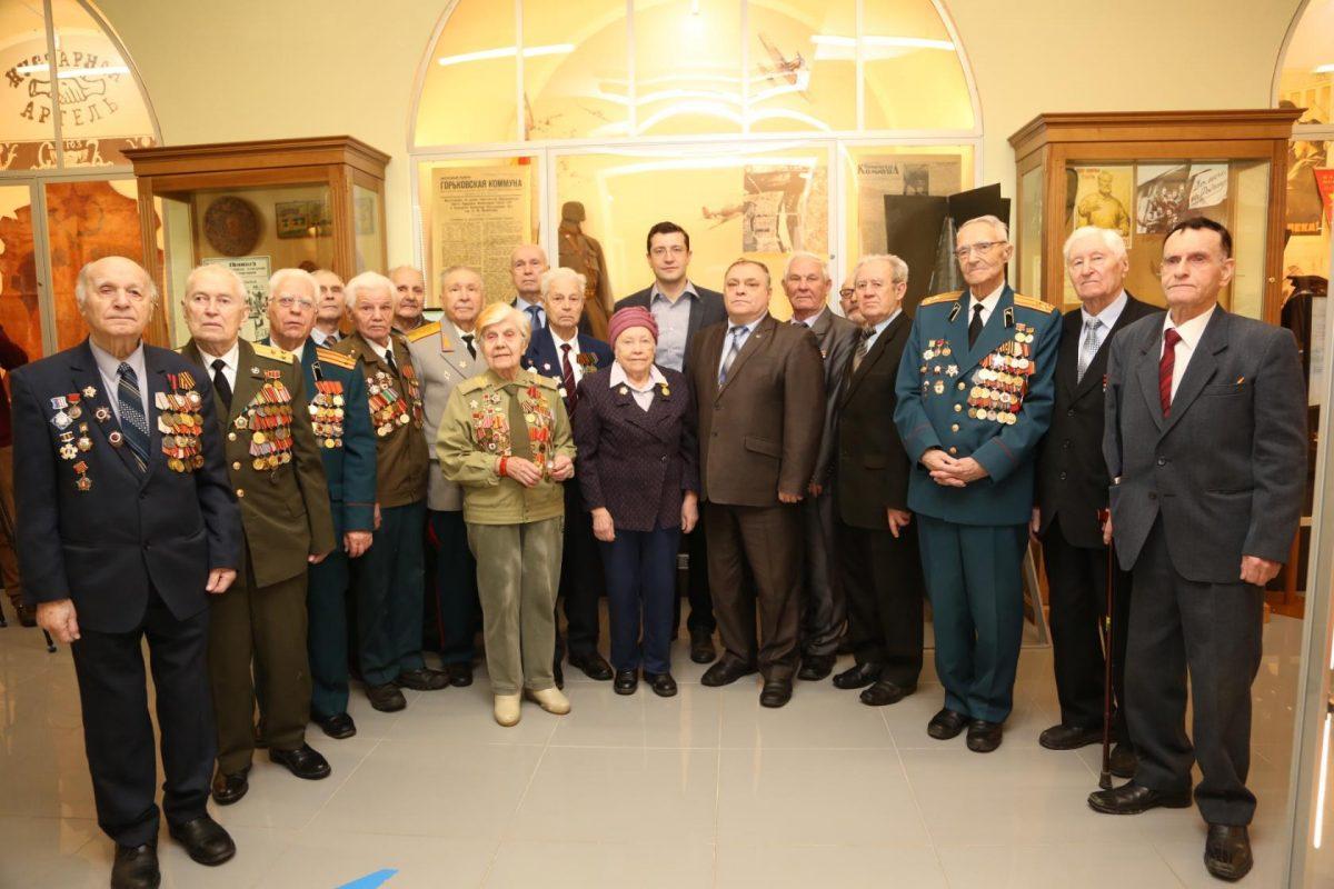 В веках их непомеркнет слава: как в России чествуют Героев Отечества