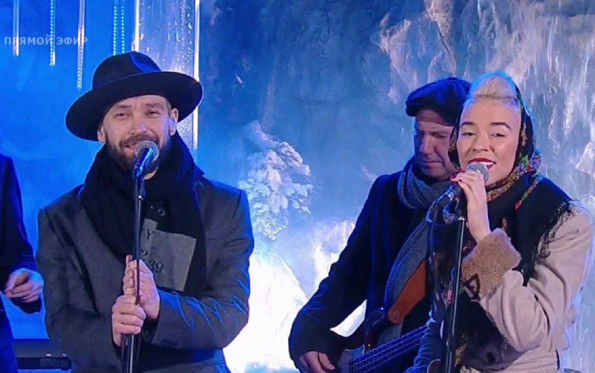 Группа «Uma2rman» и Варвара Визбор перепели главный новогодний хит