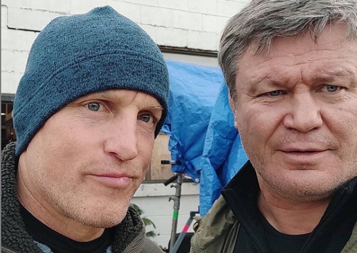 Олег Тактаров опубликовал фото с голливудским актёром Вуди Харрельсоном