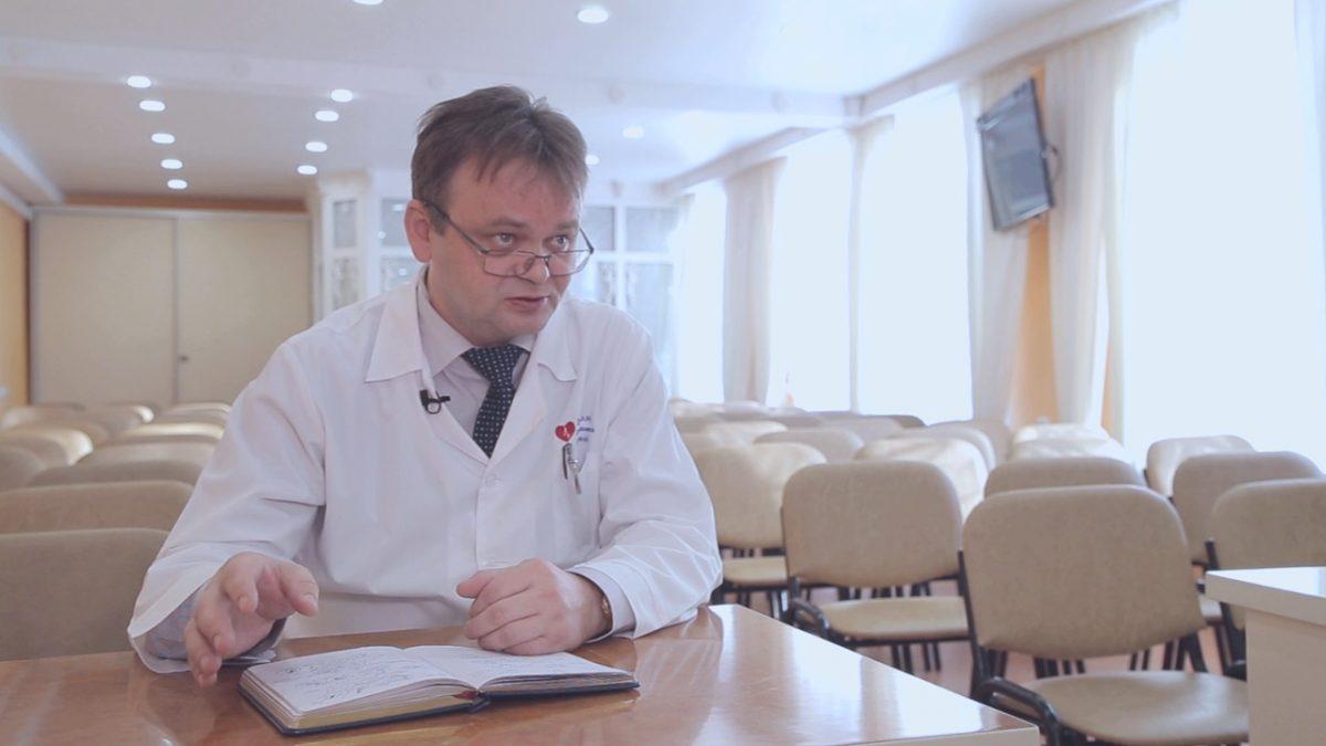 «Ты хоть замуж без меня не выходи»: главврач Дивеевской больницы рассказал о жизни на карантине и борьбе с коронавирусом