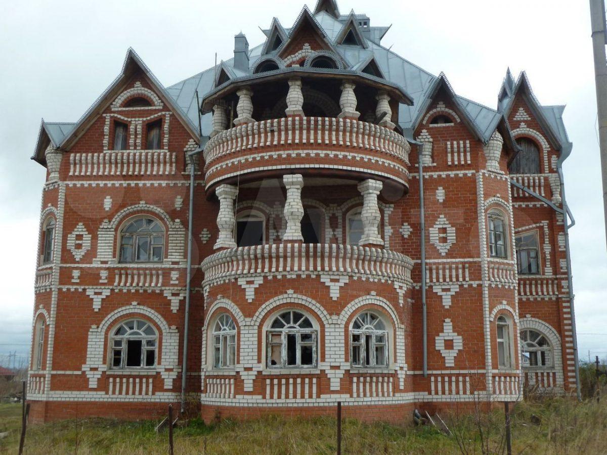 Сказочный терем продают за 8 млн рублей в Кстовском районе