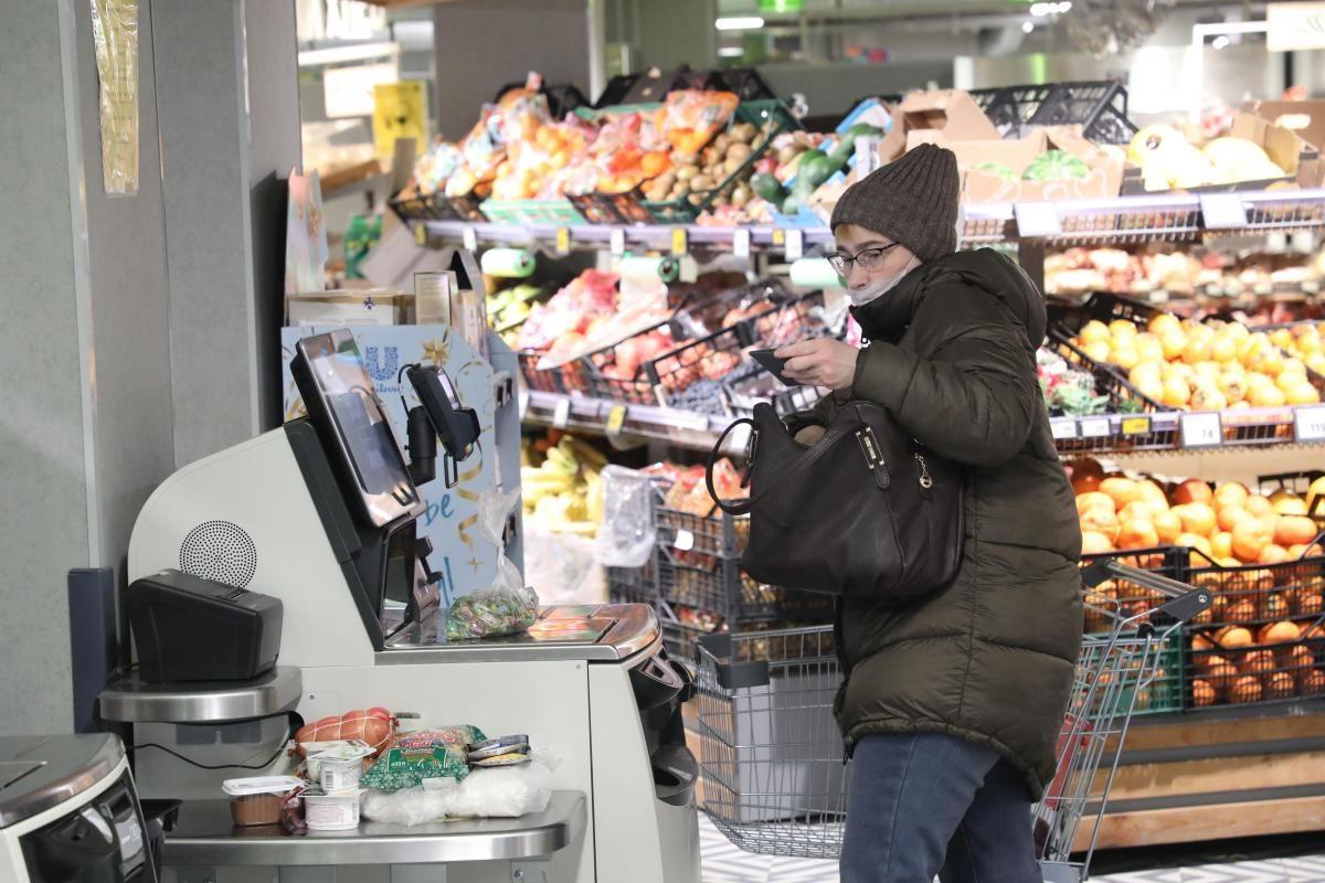 Стоимость продуктов в российских магазинах взяли под контроль