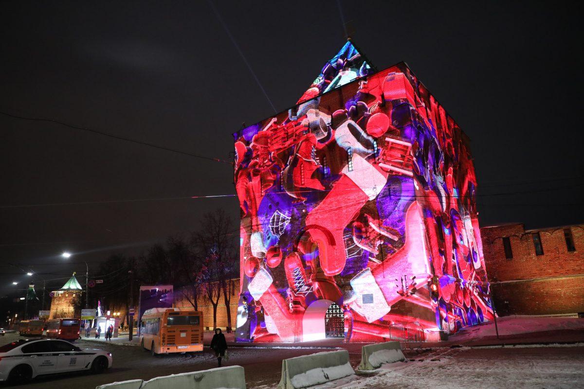 На башне Нижегородского кремля появилась праздничная подсветка