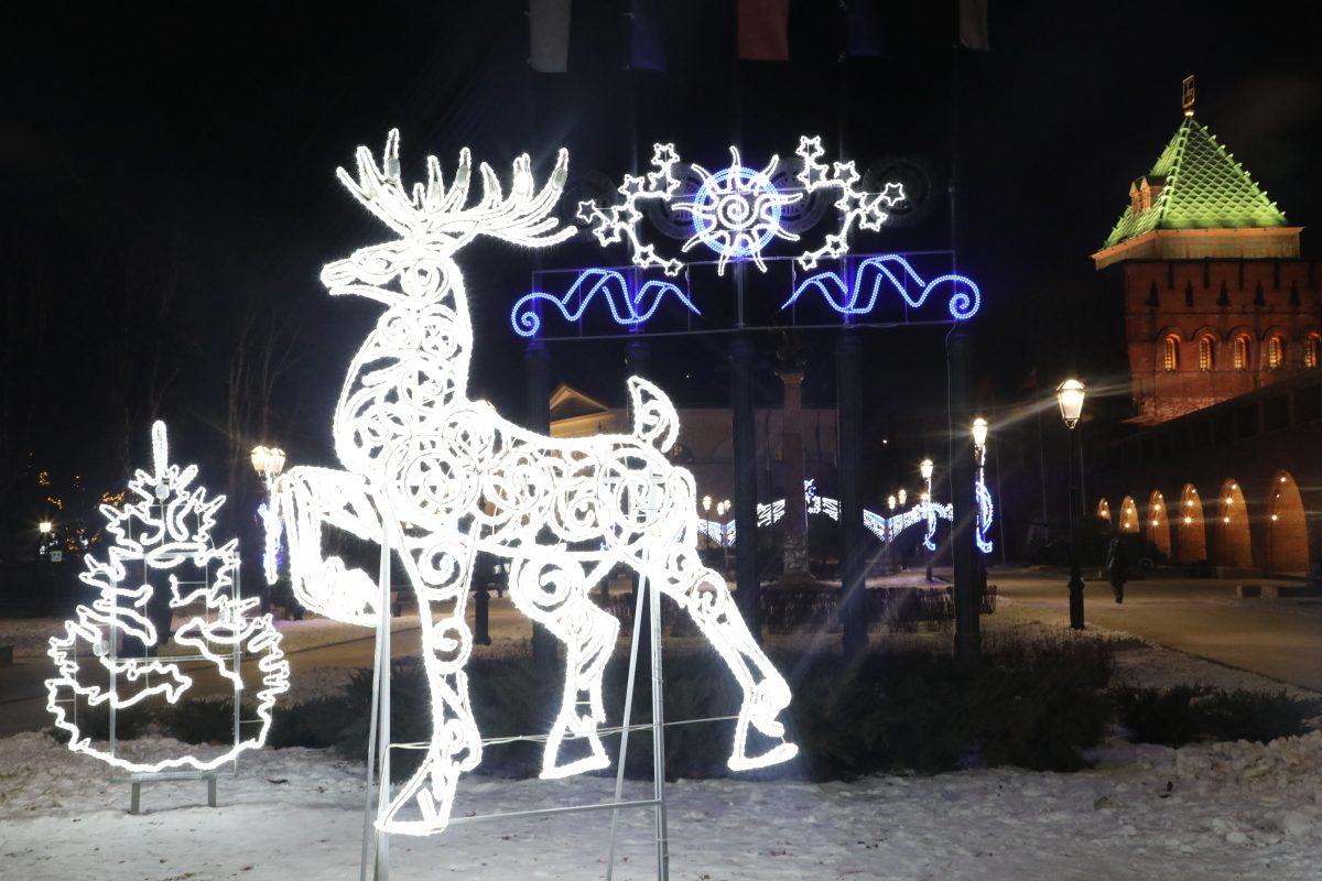 Сказка ожила перед Новым годом: любуемся праздничной подсветкой в Нижегородском кремле