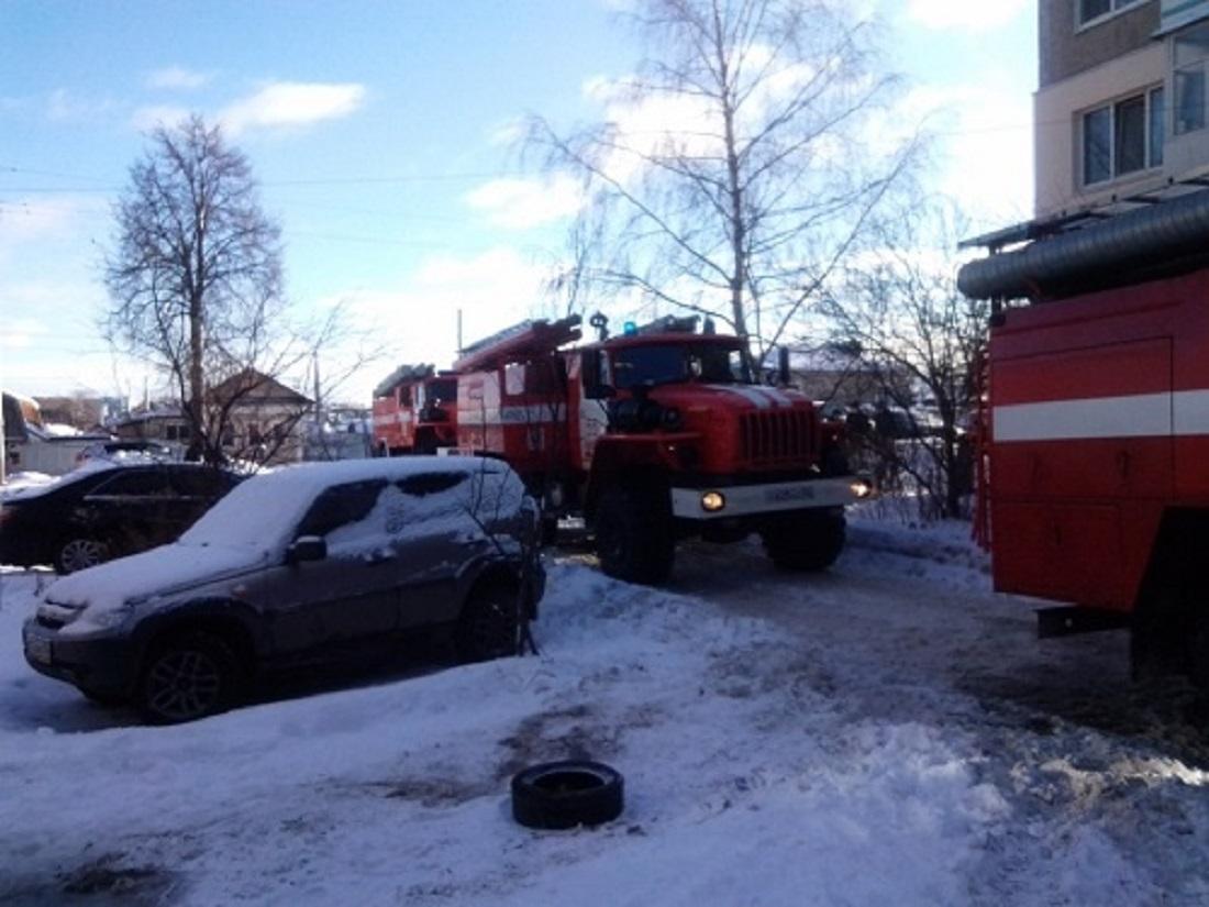 В многоэтажке на улице Березовской произошел пожар