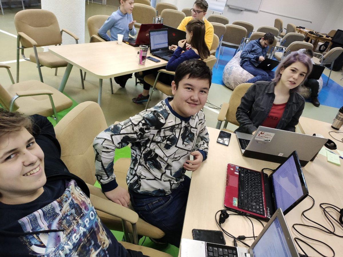 Школьники из Сарова создали уникальный беспилотник на базе ГАЗели-next