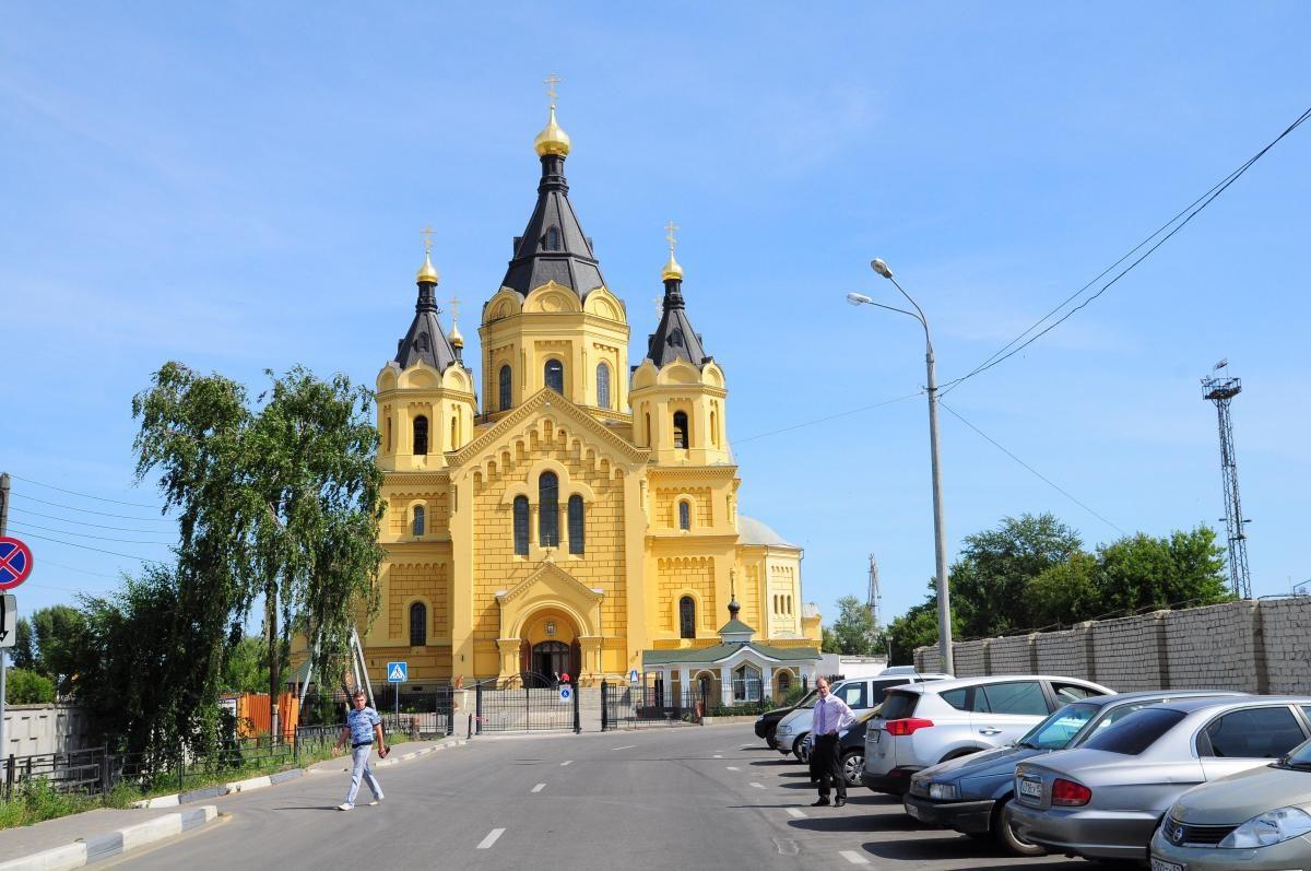 Крупнейший храм на дубовом плоту и видео от руферов: чем интересен кафедральный собор Нижнего Новгорода