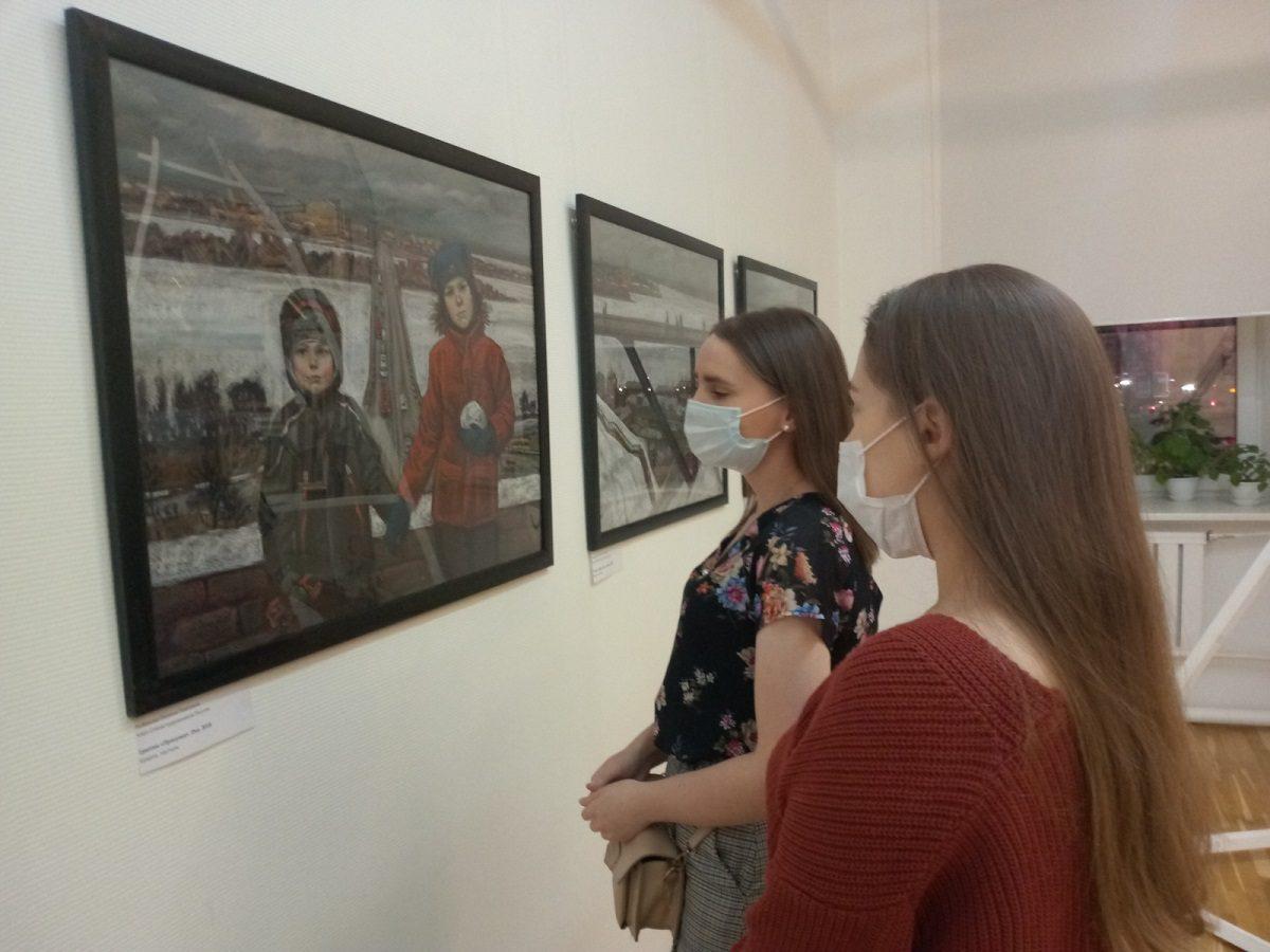 Выставка графики «Семья» проходит в нижегородском Выставочном комплексе