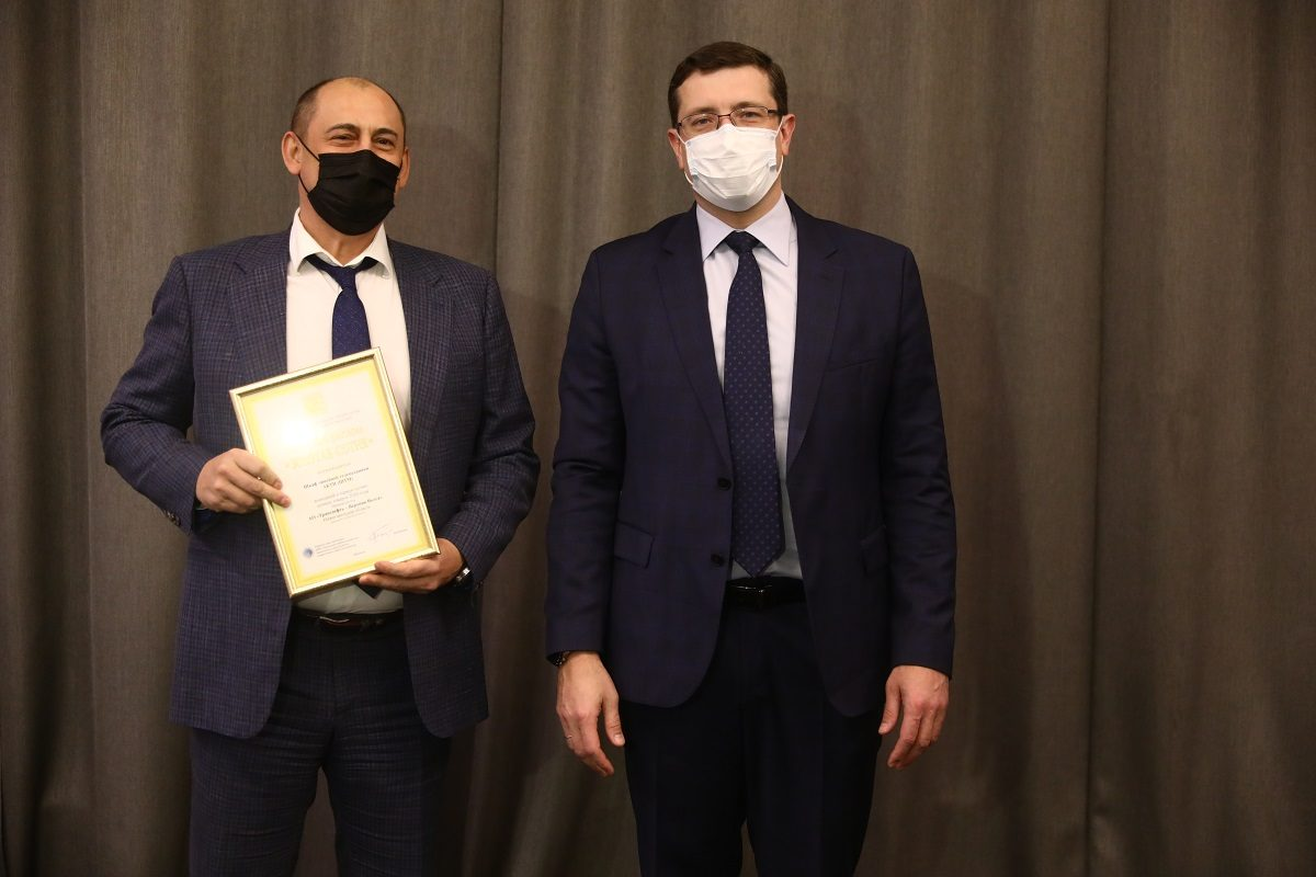 Глеб Никитин вручил почетные дипломы конкурса «100 лучших товаров России» нижегородским предприятиям