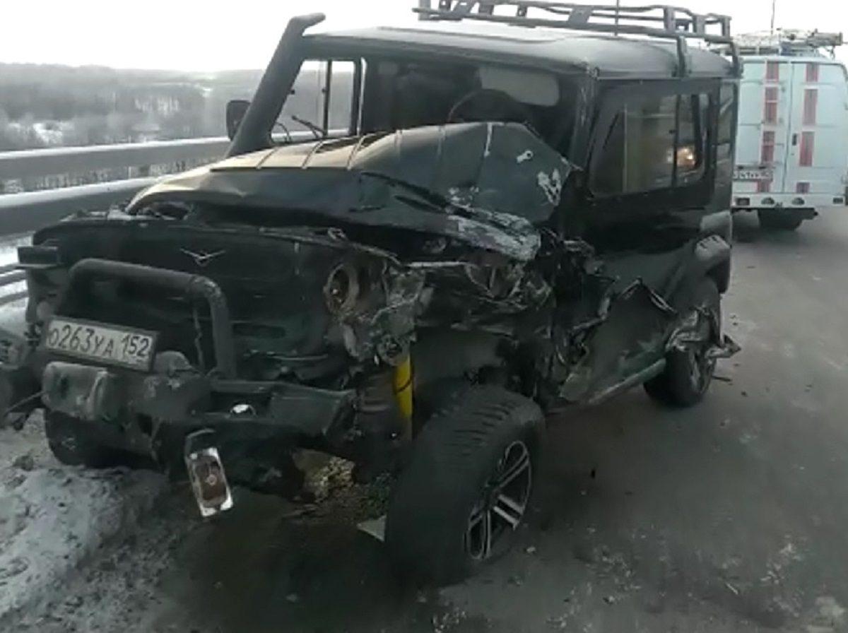 Крупное ДТП с рейсовым автобусом произошло на Бору: шесть человек пострадало