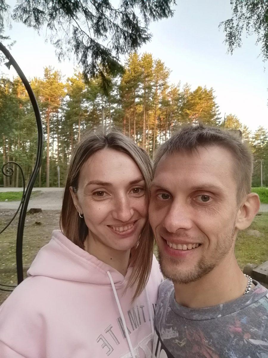 В Нижнем Новгороде иномарка сбила молодую маму на обочине