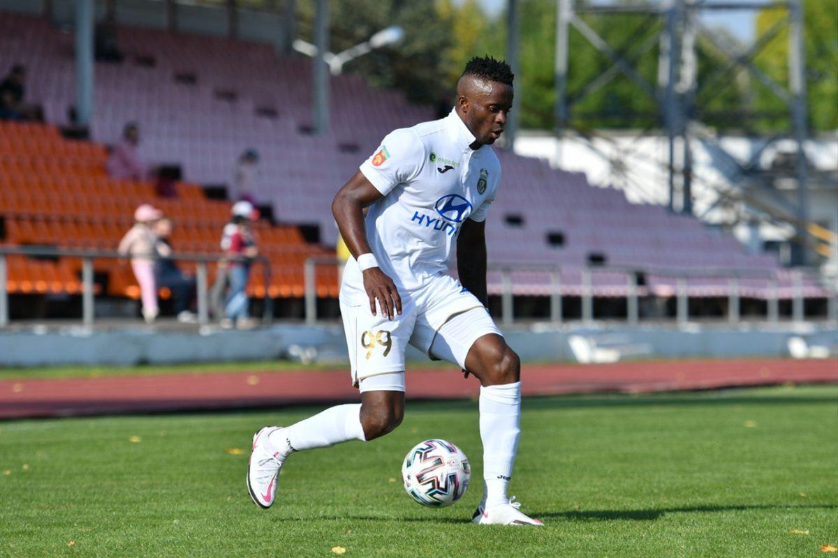 Футболист Момо Янсане присоединится к нижегородской команде
