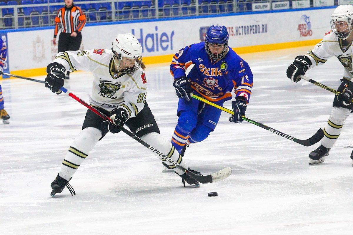 Хоккеистки нижегородского «СКИФа» справились с «Торнадо»