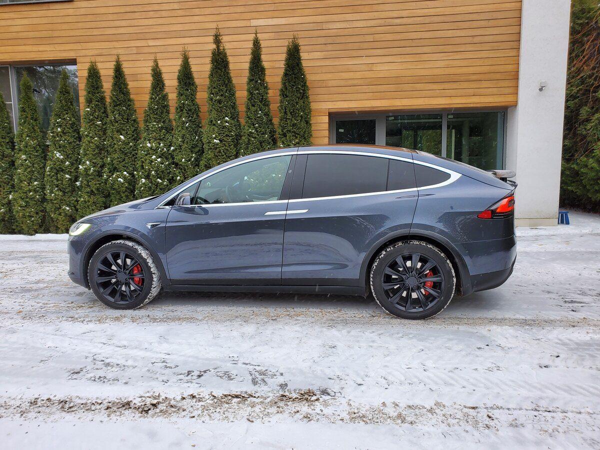 Застройщик из Сарова продаёт автомобиль Tesla за 9 млн рублей