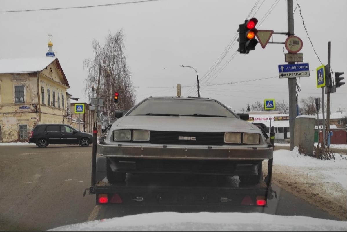 Фото дня: Машину из фильма «Назад в будущее» нашли в Арзамасе
