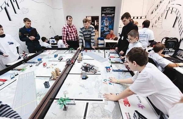 Дети из Нижнего Новгорода изобрели систему диагностики и робота-транспортировщика