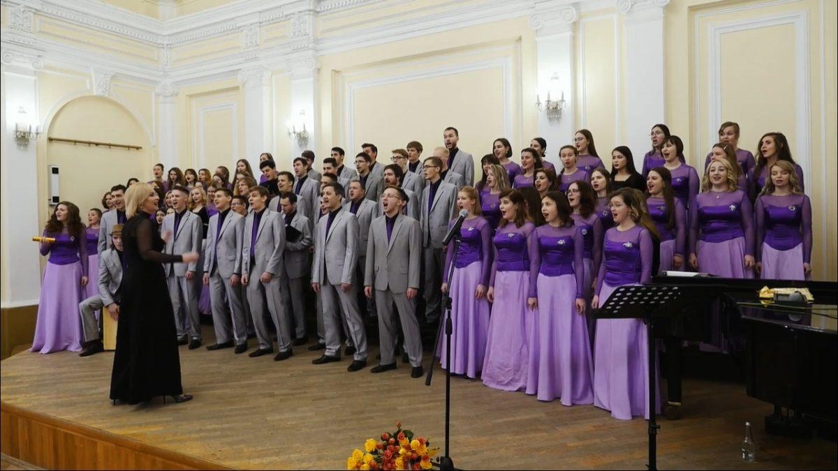 Юрий Музыченко оценил кавер нижегородского хора на песню The Hatters
