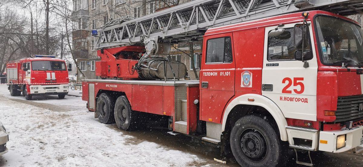 Нижегородец из дома на улице Березовской поблагодарил пожарных за спасение