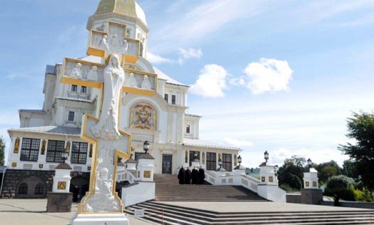 Хор Нижегородской епархии записал клип на песню «Дивеево»