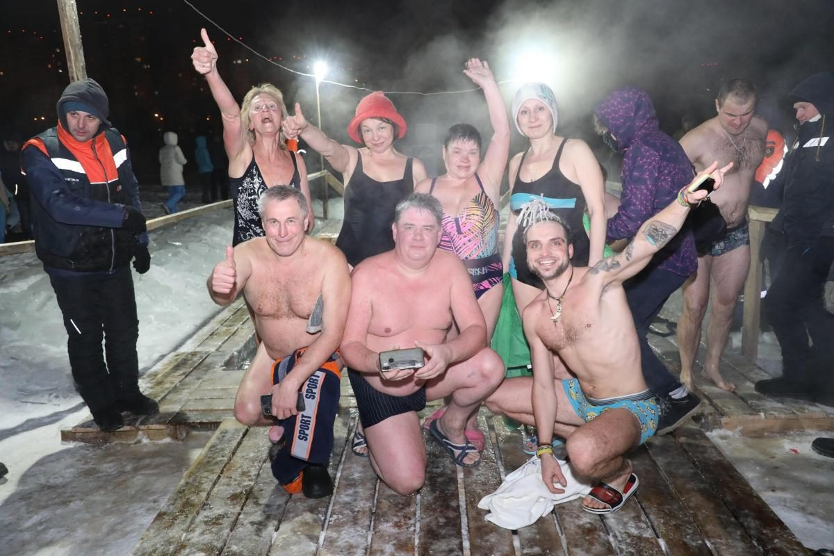 Крещенские купания прошли в Нижнем Новгороде: смотрим ТОП-10 самых ярких фото