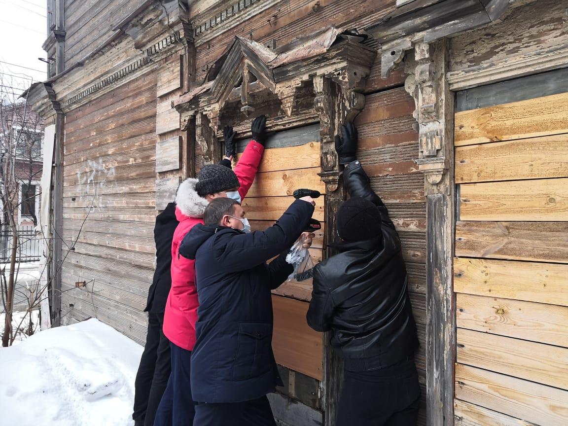 Резной наличник, украденный с объекта культурного наследия на улице Нижегородской области, вернули на место