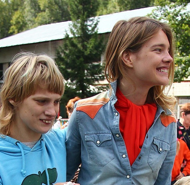 Младшая сестра Водяновой с аутизмом впервые в жизни сходила в кино