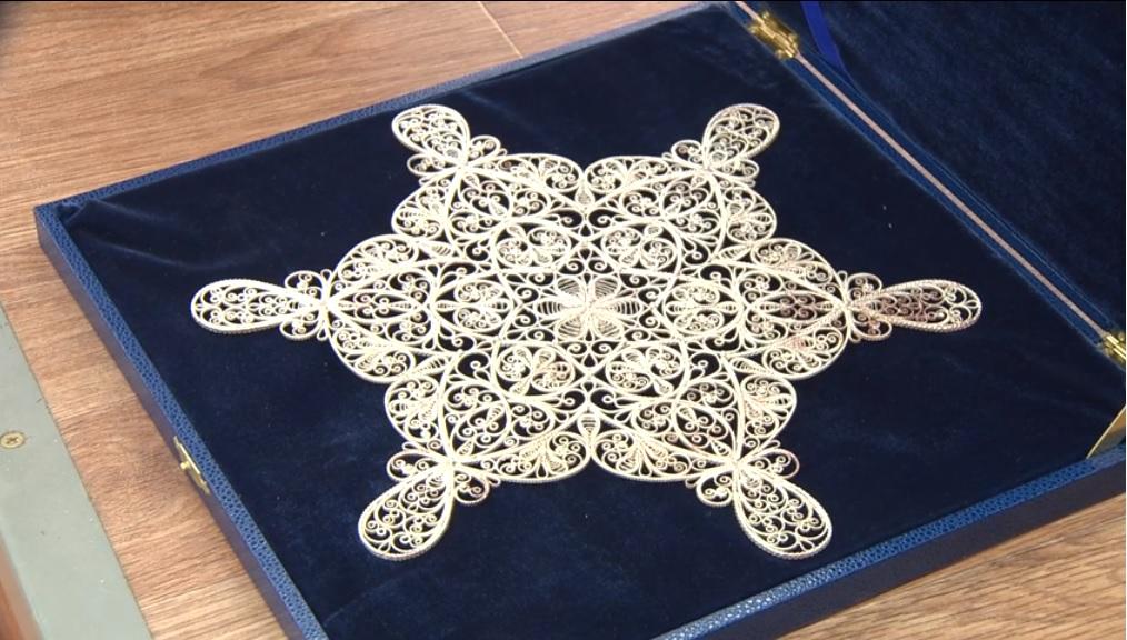 Нижегородские мастера народных художественных промыслов изготовили символ «Новогодней столицы России»