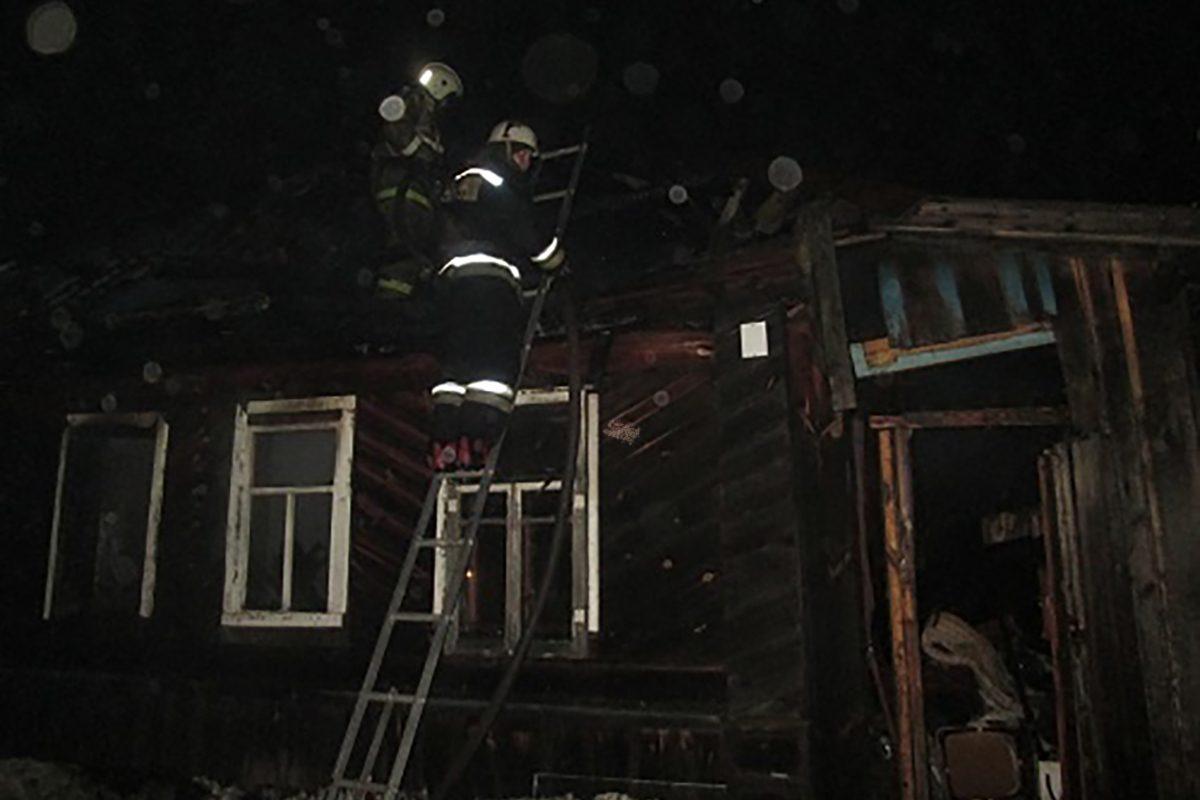 Два человека погибли в пожаре в Вознесенском районе
