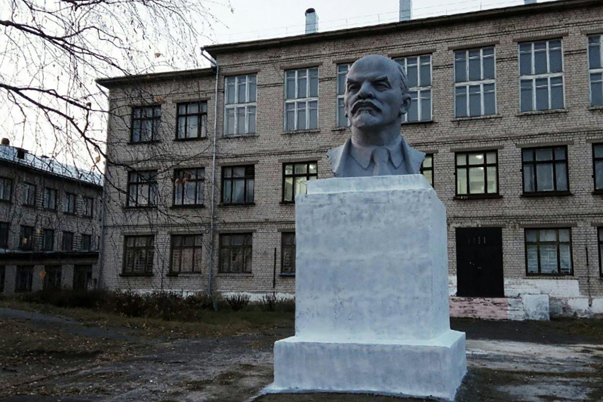 Нижегородские активисты ОНФ добились благоустройства территории школы в Сормовском районе