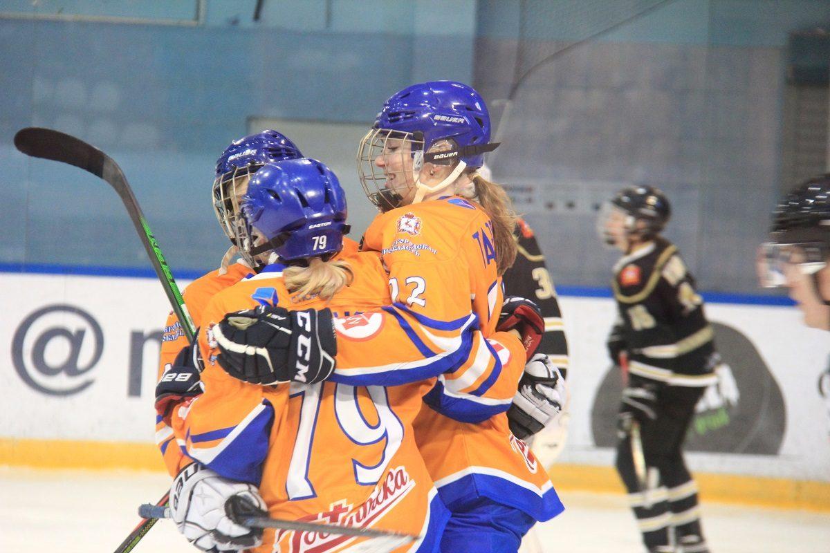 Хоккеистки нижегородского «СКИФа» одержали две выездные победы