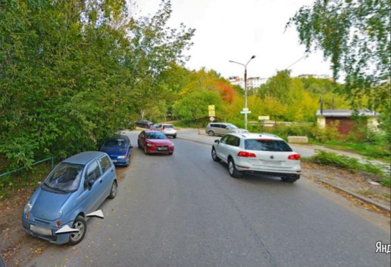 На участке по улице Маршала Малиновского в Нижнем Новгороде ограничили движение транспорта