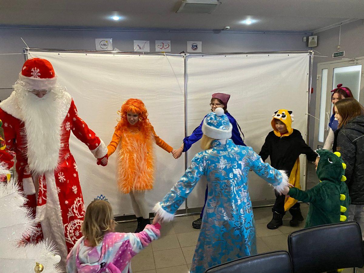 Заявки пяти нижегородских семей с «Елки желаний» в рамках акции #МыВместе исполнили ребята из социального приюта Арзамаса