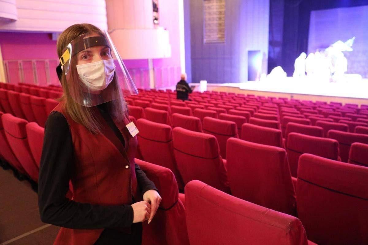 Глеб Никитин: «ВНижегородской области увеличено максимально разрешенное число посетителей театров, кинотеатров испортсекций»
