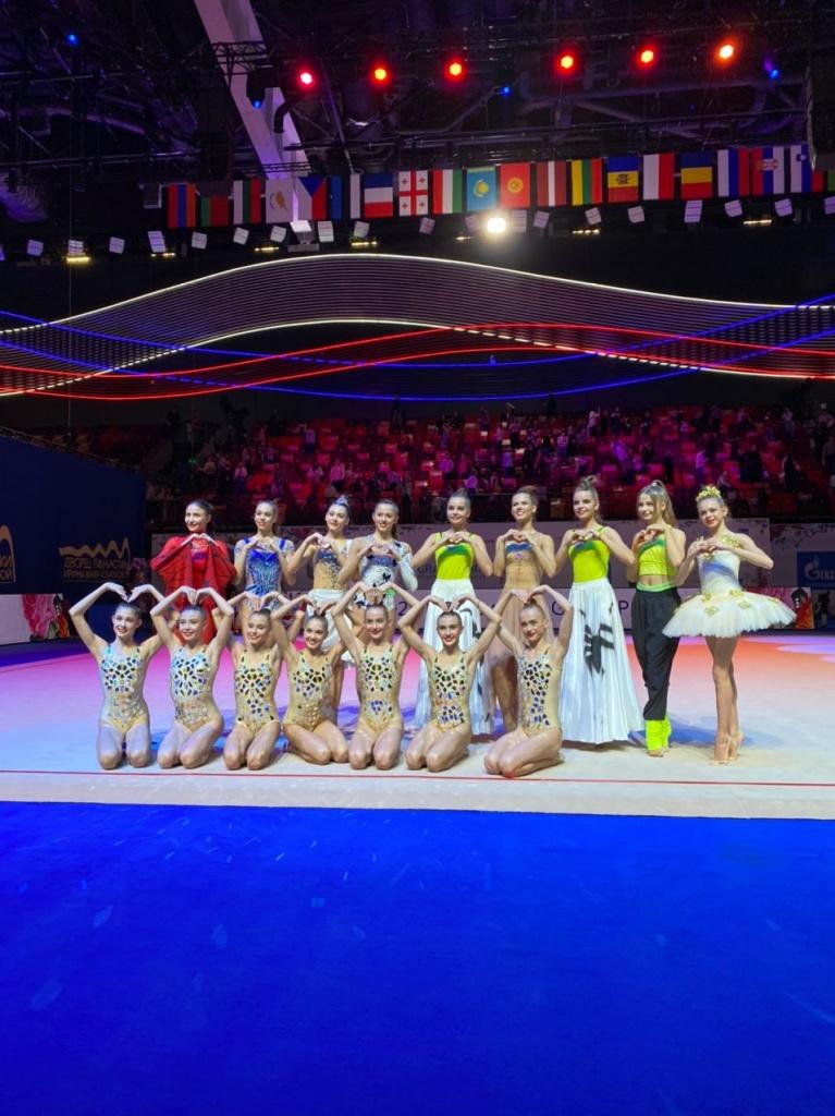 Сестры Аверины завоевали 4 золотые медали на международном турнире по художественной гимнастике