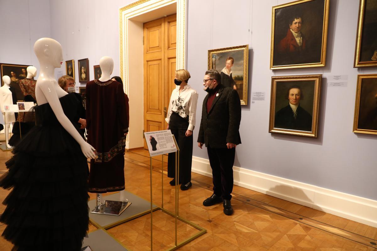 Екатерина Чудакова Александр Васильев выставка платье с историей