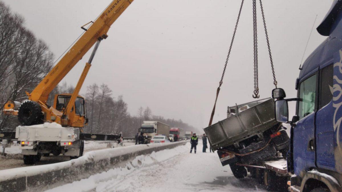 Движение на 366-м км трассы М-7 восстановили после ДТП