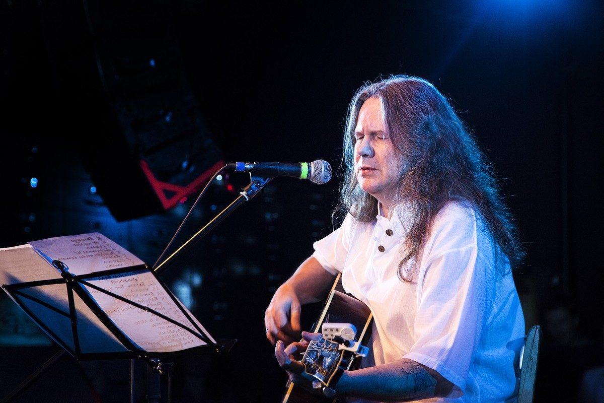 В свой юбилей лидер группы «Чиж и Ко» Сергей Чиграков выпустил два новых альбома