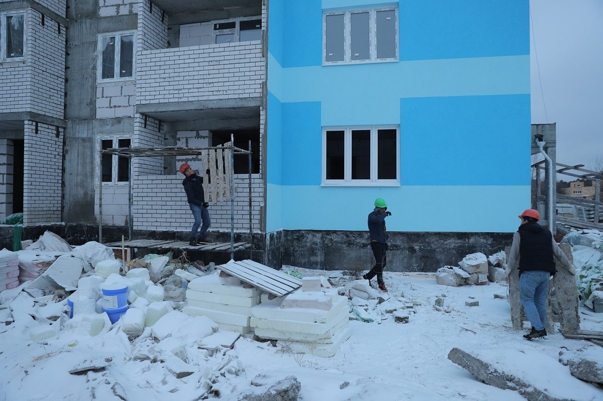 Проблемный дом в ЖК «Салют» в Дзержинске достроят в 2021 году