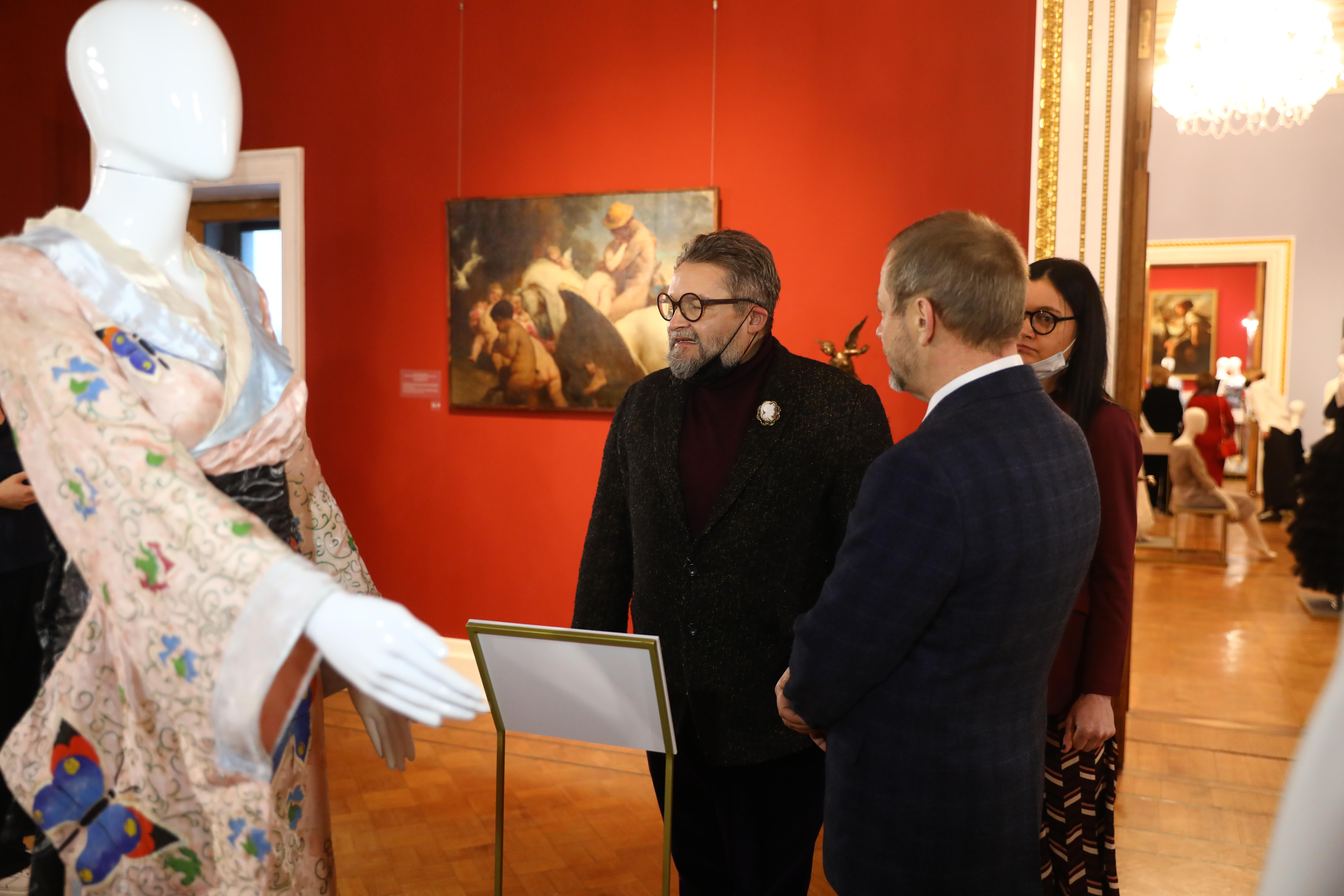 александр васильев кимоно выставка платье с историей