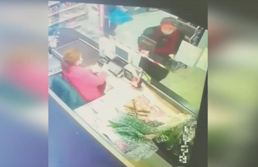 Нижегородец подобрал выпавший из кармана кошелёк бабушки и стал фигурантом уголовного дела