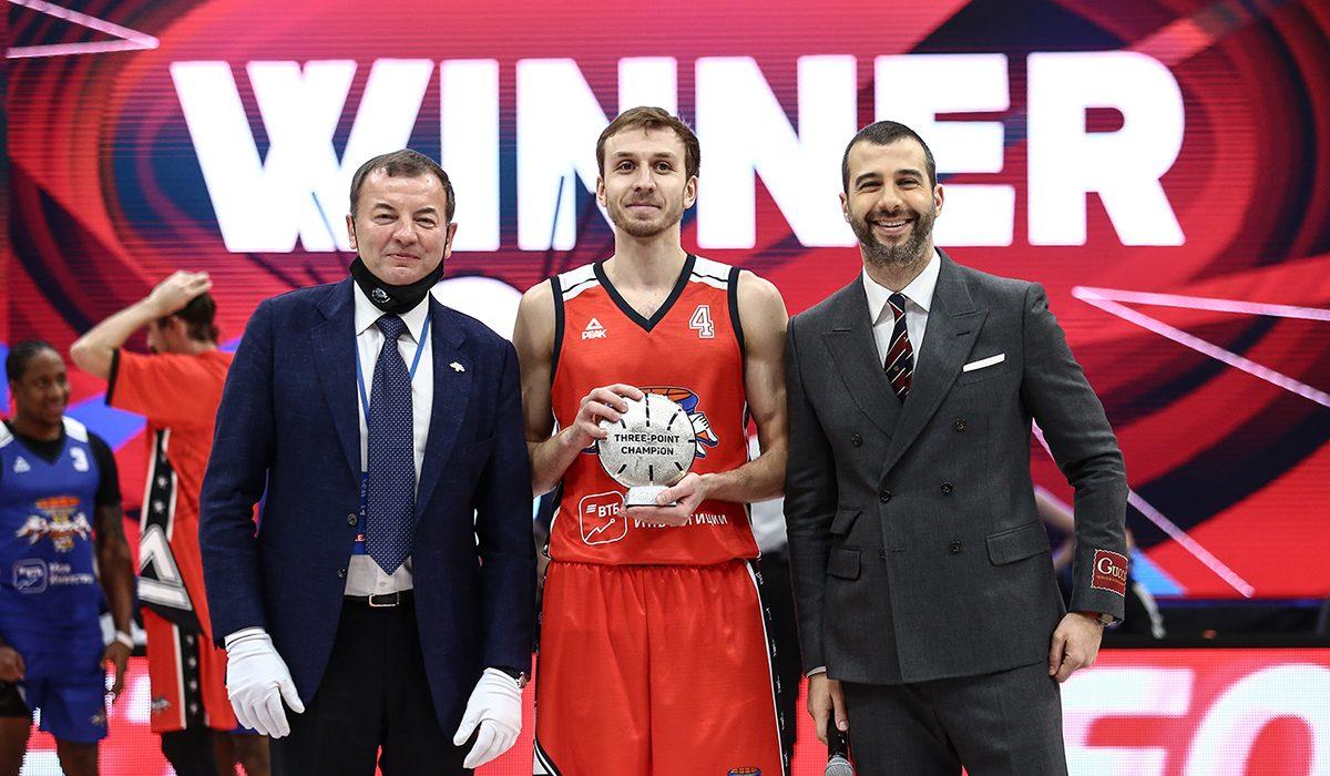 Защитник БК «НН» Артём Комолов выиграл конкурс 3-очковых бросков в Матче Всех Звёзд Единой лиги ВТБ