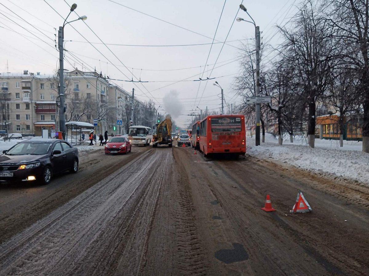 Две женщины пострадали в ДТП с автобусами на проспекте Октября в Нижнем Новгороде